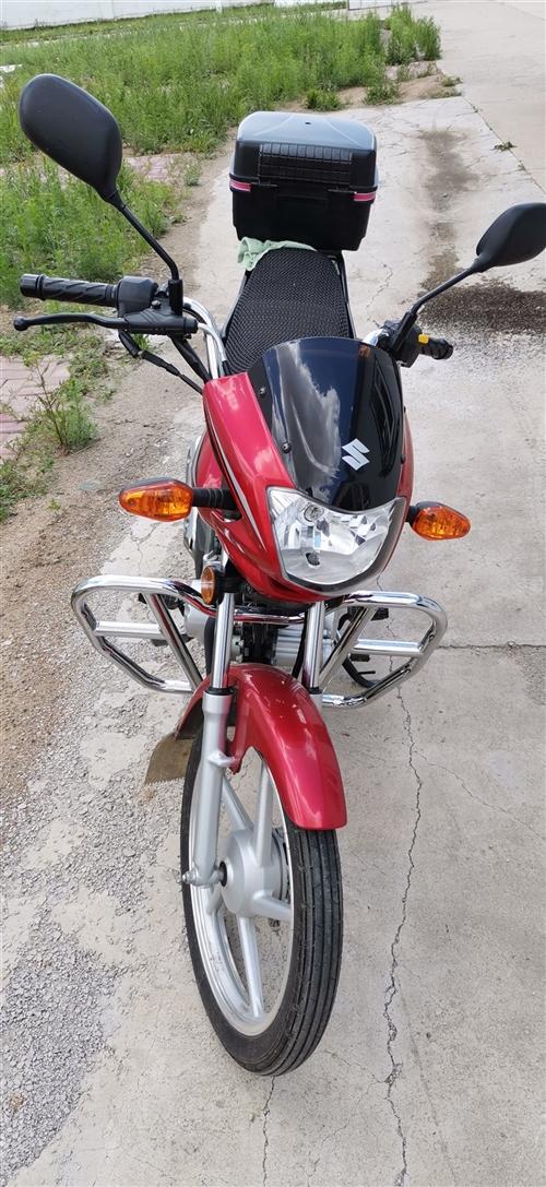 豪爵GD110麾托,四档无离合,省油,女士也能骑。上班代步,真实里程8000公里,周末朝阳镇看车。