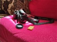 佳能EOS  700D单反相机出售,95成新,买来只拍十几张照片,新机3288。
