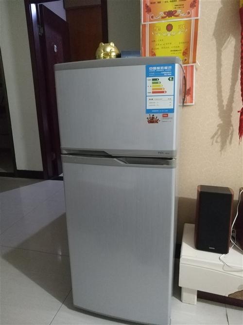 小冰箱,品牌TCL,型號BCD118KA9,此型號冰箱網上現在售價699,這款已經用了幾年,功能良好...