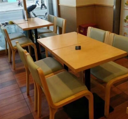 因店面新装修临潼人民南路德克士桌椅出售