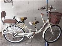 亲子自行车,适合坐两个小孩,配有打气筒,小工具,有意者面谈18683453456