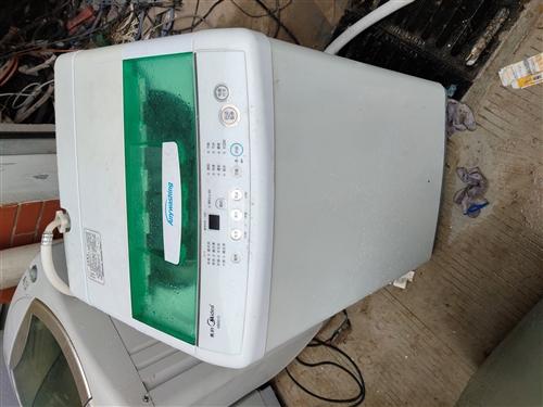 出租新旧空调,出售,回收二手空调冰箱,洗衣机,热水器,点菜柜,冰柜。家具15955920052