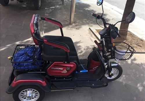 出售4月買的電動三輪車一輛,新款座位可前后推拉,有活動幼兒座,可自加雨棚,安全結實帶孩子老人騎行都很...