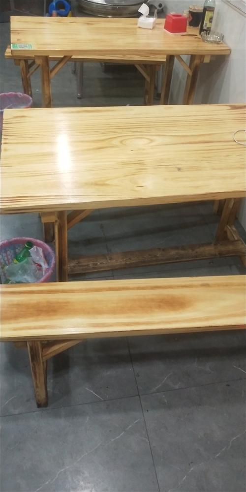 本人餐馆转让现有9成新桌椅板凳转让,有意者联系18326281312