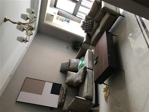 圖片沙發出售、今年1月份買的、新家還未入住。3+2+1