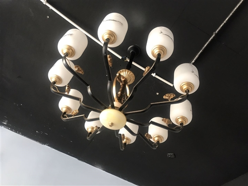 吊灯便宜出售有我的联系15613969932
