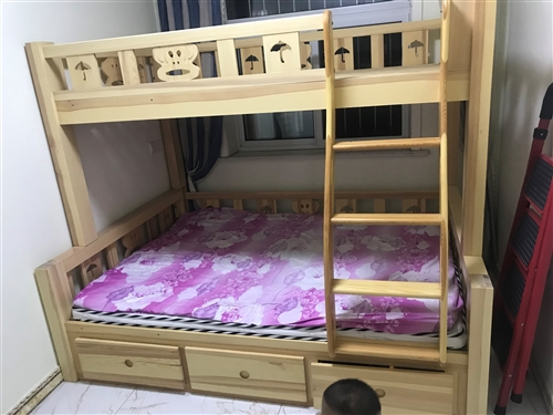 儿童床,尺寸上床1.2*2.0米,下床1.5*2.0米,买了一直没用,需要的联系