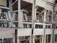 五成新课桌凳3000余套,单位或个人有意者可以联系,电话:13954633369