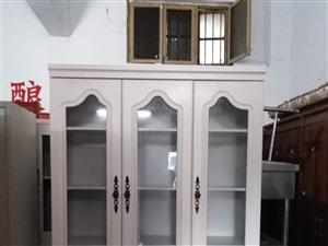 出售品牌欧式大床皮床,书柜电视柜,茶几西餐桌,空调热水器,厨房厨具,办公用品等各种旧货