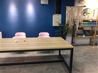培训班桌凳,桌子三张,凳子三十张,质量耐!便宜出,需要滴滴!