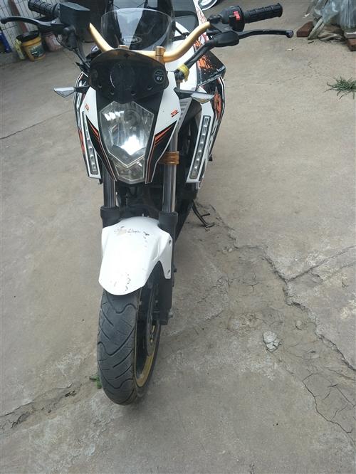 出售摩托车如图所示,国际档六速跑了不到一万公里200机器刚保养完,联系13573622600