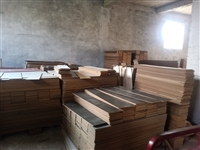 出售各種規格二手木地板,適合出租房,拆遷房,倉庫,辦公室,培訓機構,等各種場所。價格合理,歡迎看貨訂...