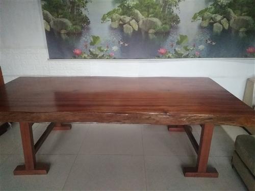 出售**文案桌一件长270cm*宽127cm*厚11cm 原价75000元,现价45000,有意向...