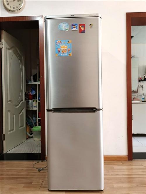 8成新海尔冰箱,208升,有兴趣者可致电13872468808