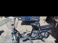 出手電動車一輛,充滿電可騎行20km,鋰電池,需要的聯系18894037636,嘉峪關火車站附近自提...