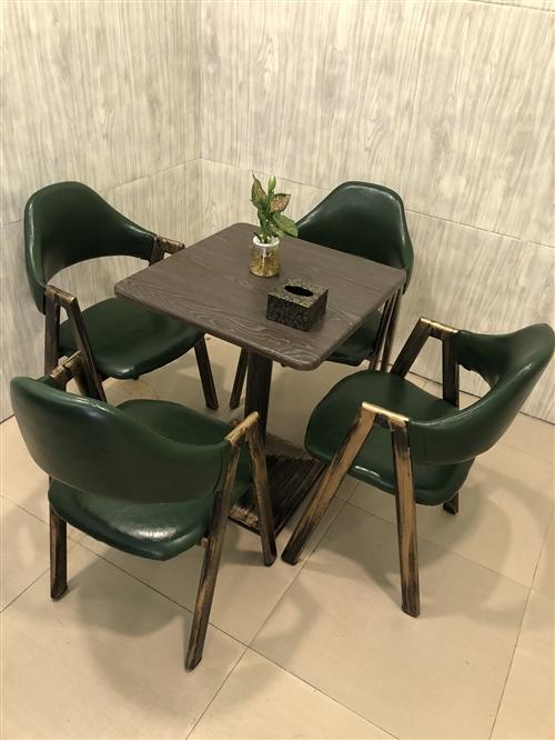 休闲桌椅板凳组合9成新便宜处理了 可以单卖