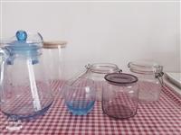 收纳罐和水壶,水壶**,收纳罐粉色是进口的,没咋用过,因为搬家,全部30出。手慢就没了呦。