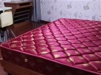 二手家具,及二手卫浴,低价出售!有需要的请联系我,价格便宜不等人哦!1.5米床400元,存实木