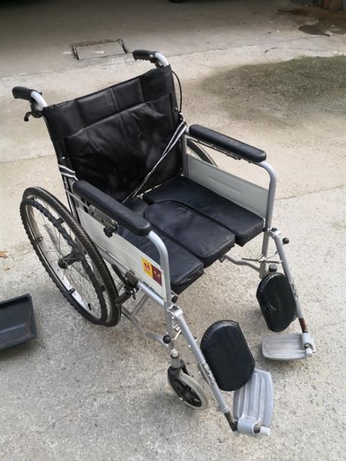 **未用轮椅,原价400多,闲置一年,配件齐全,半价转让,有需要的请联系我19953615741