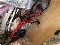 折叠自行车,买来二千多,孩子看别人骑也要,图个新鲜,骑了二天就不原意骑了,现对外低价出售。