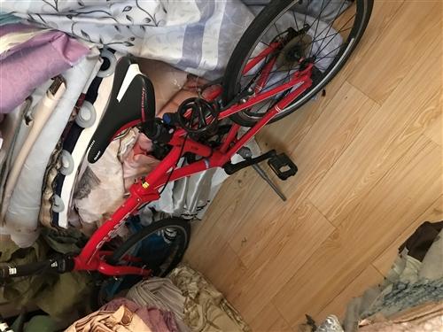 折疊自行車,買來二千多,孩子看別人騎也要,圖個新鮮,騎了二天就不原意騎了,現對外低價出售。