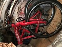 折叠自行车(赛车)95新,小孩子看别人骑也要,买来二千多,只骑了几天,现对外低价出售