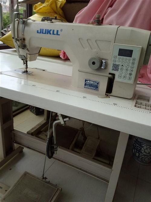 服装厂倒闭,九成新电脑平车处理!