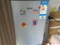 大概120升小冰箱,一级能效,超级省电,我去年900买的新的,现在500处理,制冷效果杠杠的