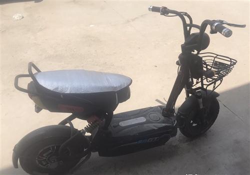 愛瑪電動車,剛換的新電池,能跑70公里以上,真空胎,已掛牌可變更登記,由于工作原因忍痛割愛轉讓,有意...