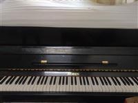 自己用钢琴,八成新,现闲置出售