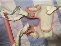 宝宝学步带,九成新,用了几次宝宝会走了就没用了,现在低价出售