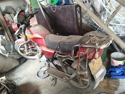 125摩托车处理一千有要的吗,没大骑就是放的时间长点,电打火以打就照,电话15806806445