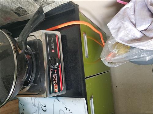 使用3個月的液化氣灶頭,軟管和氣閥一并,需要的電話聯系