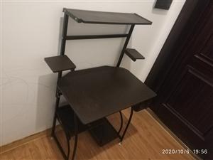 �缀�**��X桌,因搬家需要出手,�戆部h汊河�附近可送�。80元