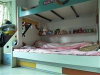 上下底三用床,大上楼梯,九成新!1米五床上1米1