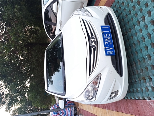 本人是一名老师,这辆车是我从同事那儿买来的,她平时也没怎么开,因为在深圳工作车也一直放在家里的小区车...