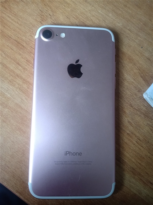 iphone7   32G美版有锁!新换电池,电话:19815993015