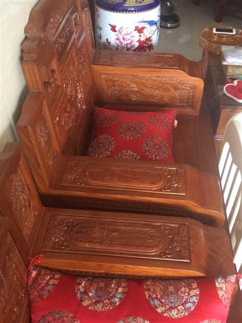 红木家具4件套,8成新。10000元