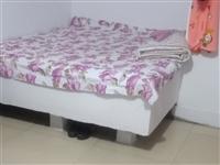 平房獨門獨院出租 老車站附近   年租金3000元  也可租單間  ???租金300; 另有單間出租...
