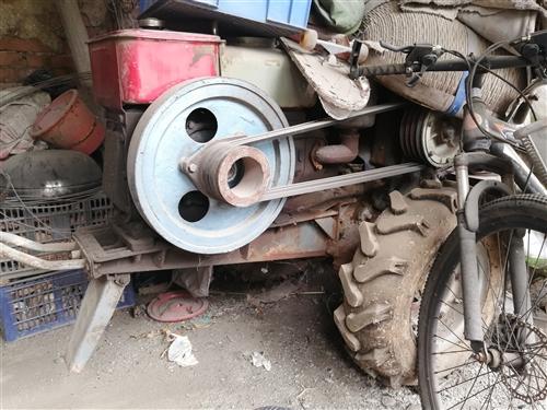 没怎么用的18马力手扶拖拉机,动力杠杠的!旋耕机是一米宽,一直不舍的卖,闲置一段时间了,由于不种地了...