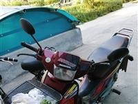 本田摩托车,带行驶证,八成新,电子打火