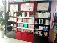 化妆品货柜低价出售  有四个柜子一样的 价格面议