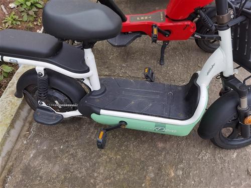 爱玛电动车自行车,适宜城区代步,搭配4812天能,7月份的车,买回来骑的时候很少,车子准新车,可上牌...