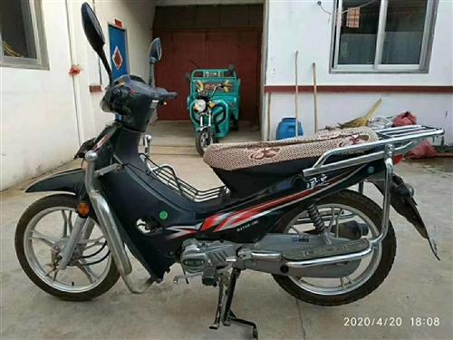 出售,九成新的摩托车,老人岁数大了没大骑,钱江110    卖2500元 电话1876535831...