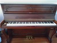 三益钢琴2019年买,在五年保修期内,免费维修,终生保修。带着免费调律一次