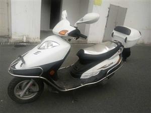 二手摩托车白菜价处理,本人有一辆豪爵悦星踏板摩托车,里程6000公里,车况良好,八成新,因本人经常在...