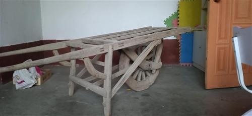 战争时代全木头独轮车一辆,有喜欢的可以收藏,出售地址茌平县