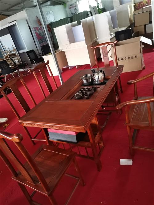 出售回收二手家具 辦公家具 上下鋪床 沙發餐桌衣柜各種閑置