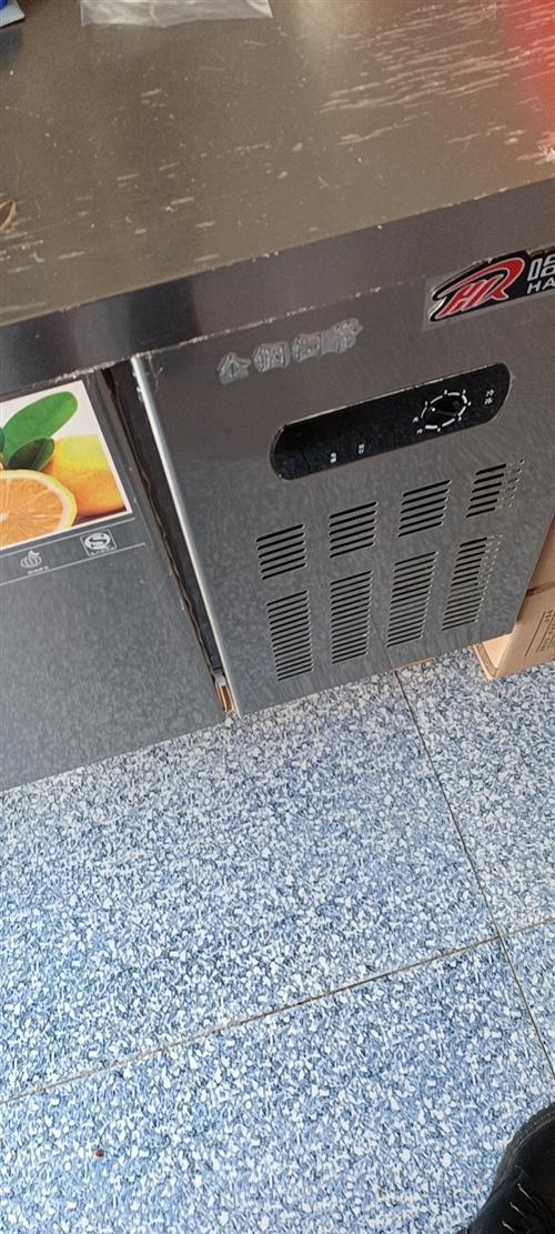 **冷藏冷冻柜出售 本来打算买回来做吃的,但店里小没有办法做。 品牌冰箱冰柜,台面能承重500斤...