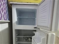 有电冰箱,天然气灶,床等一些日用品转让适合在来凤带小孩上学,全低价转让13217181902同微信